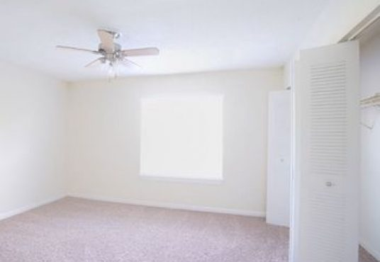The Hills at Oakwood Apartments | Select My Space